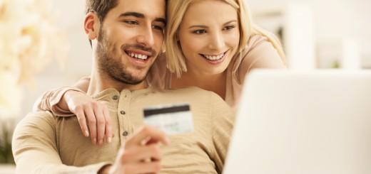 Sparen im Internet - Immer mehr Verbraucher kaufen in Online Outlets ein und nutzen Gutscheine